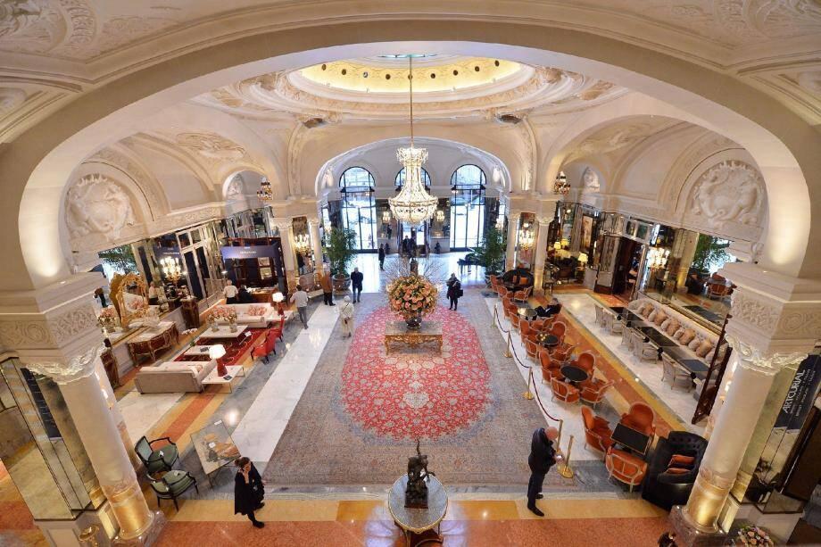 La direction de la SBM et les salariés de l'Hôtel se disent satisfaits de l'accord qu'ils ont conclu.
