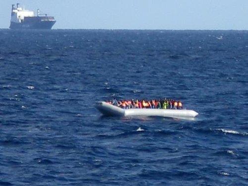Opération de sauvetage de migrants le 4 décembre 2014 au large de la Sicile