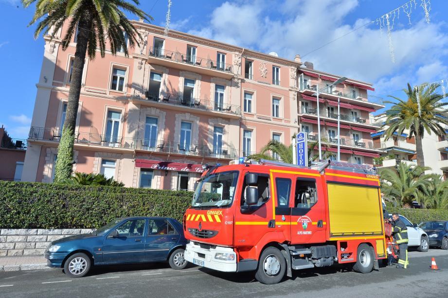 Une quinzaine de sapeurs-pompiers de Menton sont intervenus.