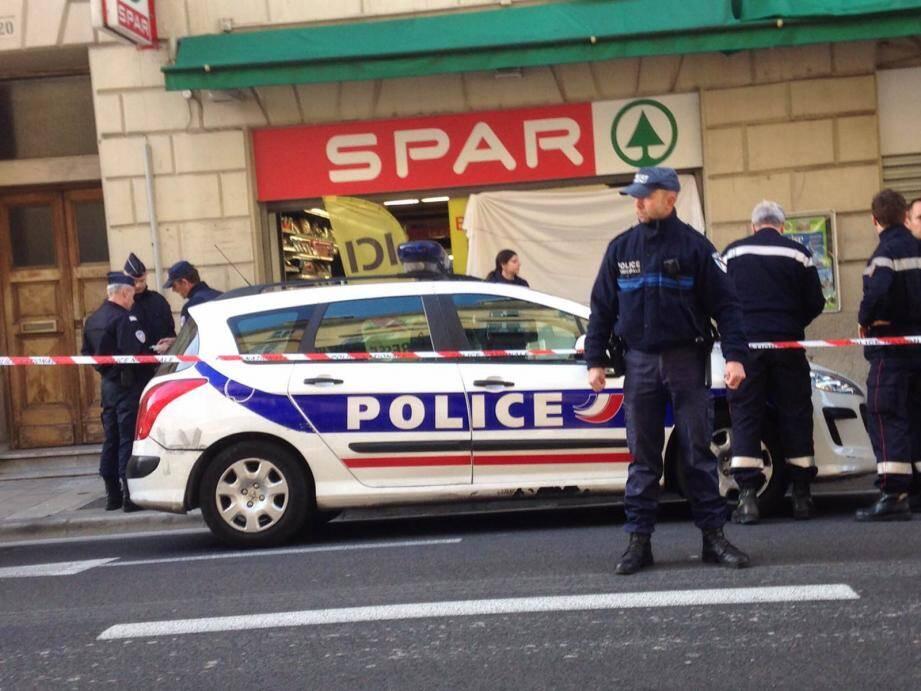 Police spar nice