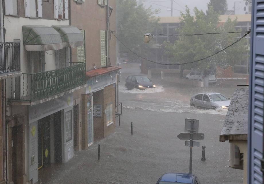 L'année 2014 a été la plus pluvieuse jamais enregistrée en centre-Var (ici, Brignoles sous l'orage).