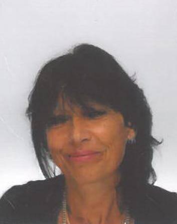 Véronique Parisi, née en novembre 1960, est partie de chez elle sans moyen de paiement et sans son téléphone qui a été retrouvé chez elle.