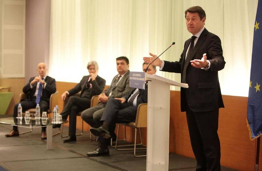 Le président de la Métropole aux côtés d'Yvon Grosso de l'UPE, Jean-Pierre Galvez (chambre de Métiers), Michel Dessus (chambre d'agriculture) et Bernard Kleynhoff (CCI).