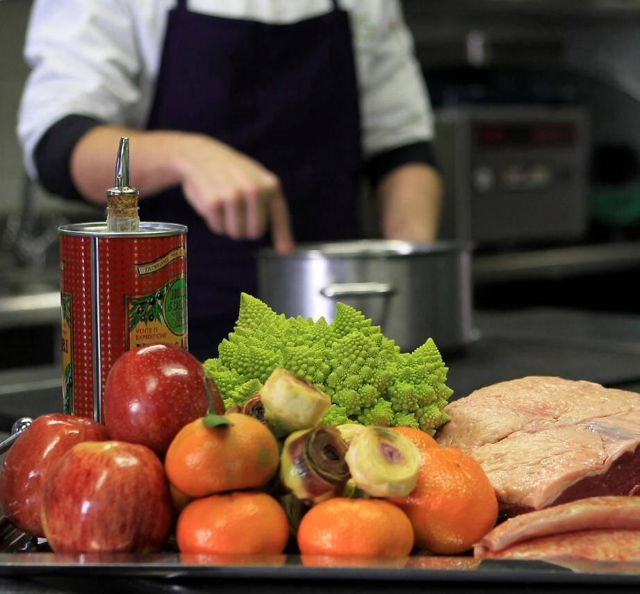 La plupart des carences peuvent être comblées en priorité par une alimentation riche et variée, notamment à base de légumes frais.