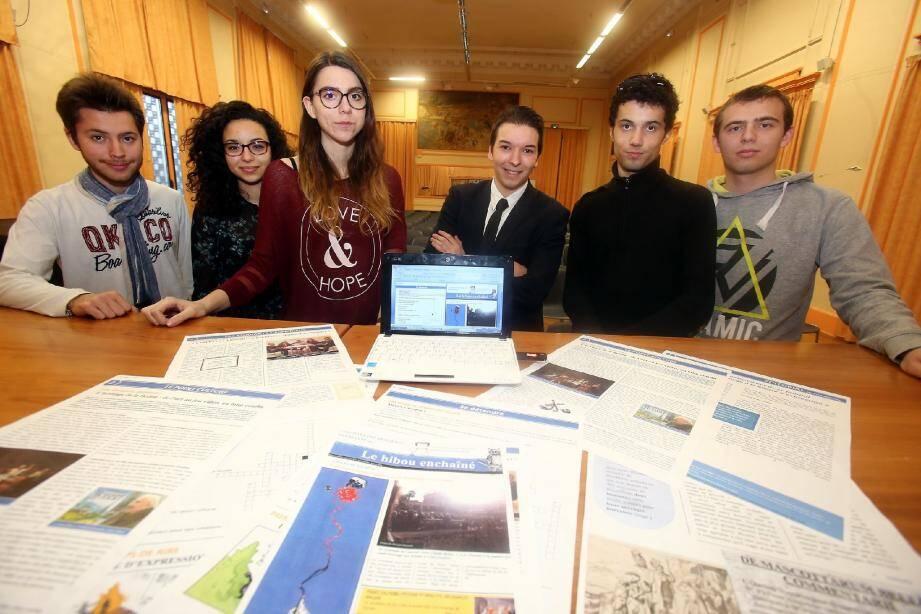 Thibaut, Ornella, Joséphine, Cyril, Thimotée et Thomas se lancent dans l'aventure de la presse au lycée.