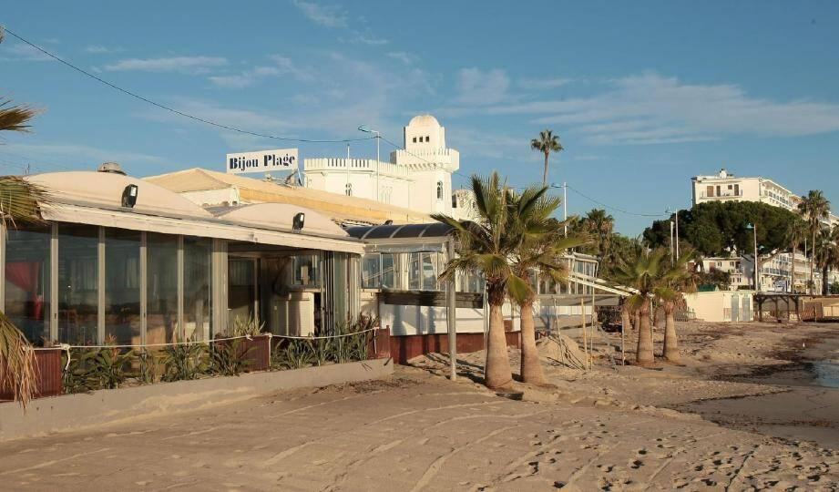Bijou Plage compte parmi les établissements juanais menacés par l'application du Décret plages.