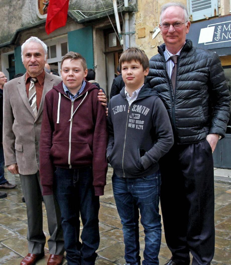 L'état-major 2015 de la Bravade: Alain Grosso, capitaine de ville, Jean-Michel Pannacchi, major, Clément Radon-Grosso, enseigne et Damien Astézan, major de l'enseigne.
