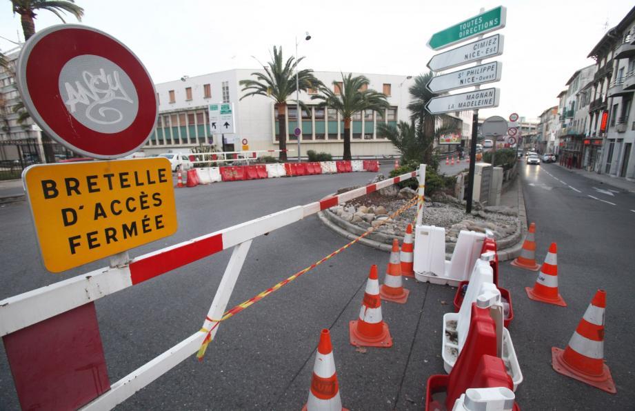 Depuis le feu d'un squat le 23 janvier dernier, la bretelle d'accès est fermée pour expertise.