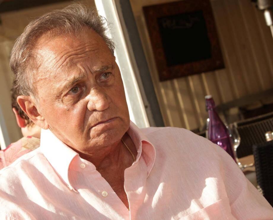Roger Hanin lors de l'un de ses derniers passages aux Sablettes, à Fréjus-plage, en 2011.