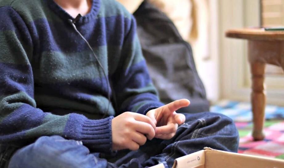 Mehdi 8 ans livre sa version des faits dans une video 150206