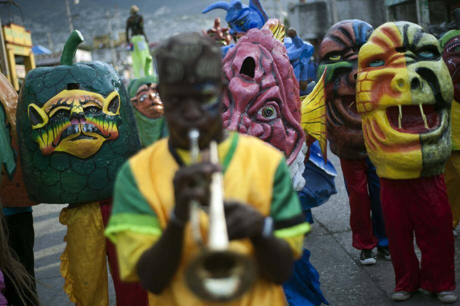 Défilé des grosses têtes lors du carnaval de Port-au-Prince
