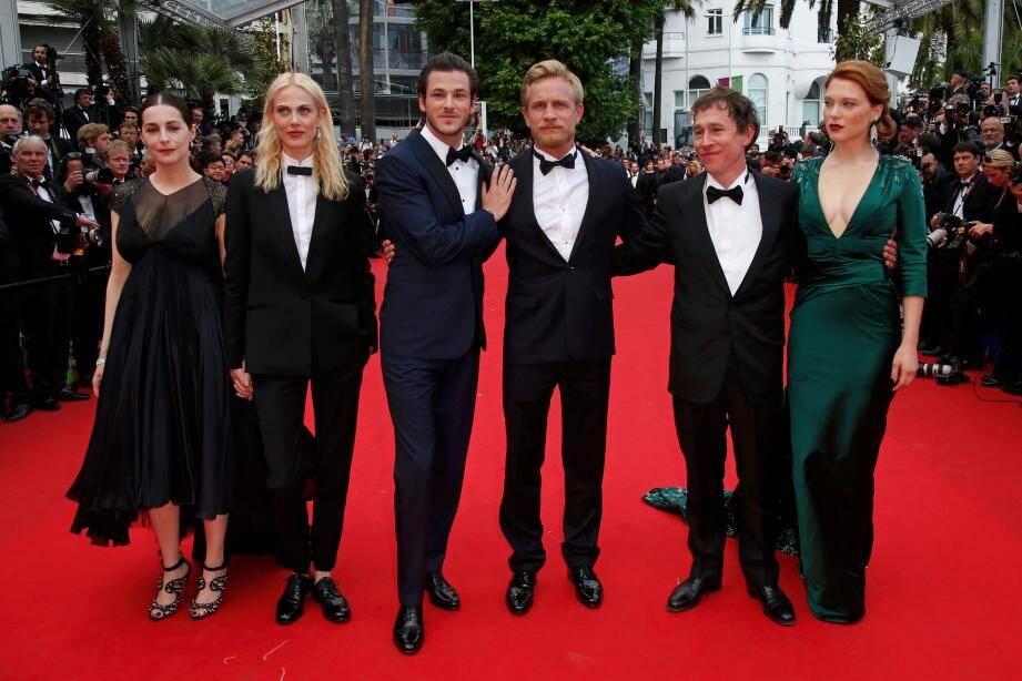 L'équipe du film Saint Laurent lors de la montée des marches lors de la 67e édition du festival de Cannes