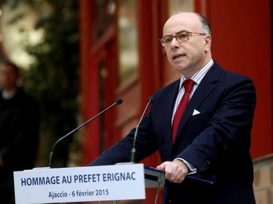 Bernard Cazeneuve a rendu hommage au préfet Erignac à Ajaccio
