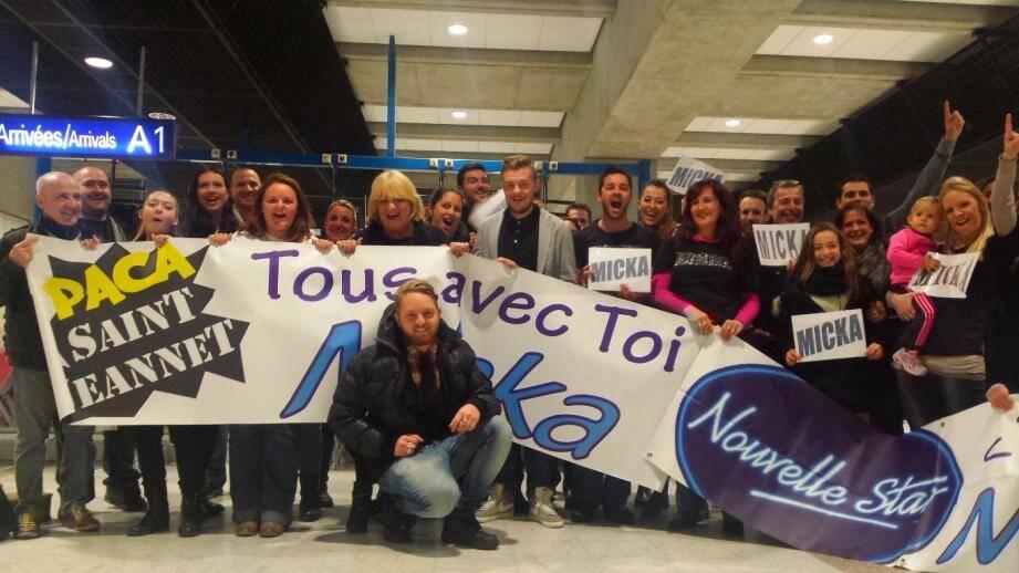 micka nouvelle star accueilli aeroport 111521