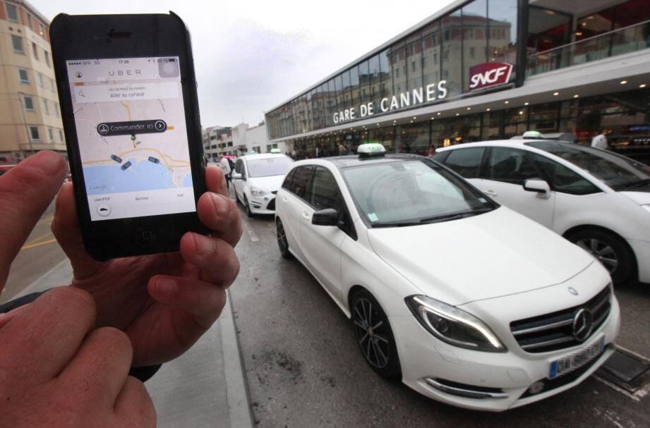 Pendant le Mipim, la semaine dernière, de nombreux taxis clandestins ont investi la ville.Une quarantaine selon le président des taxis de Cannes déterminés à dénoncer cette pratique.