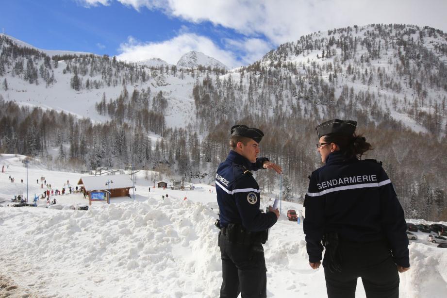 Les gendarmes du poste d'Isola se sont rendus sur les lieux pour constater l'accident.