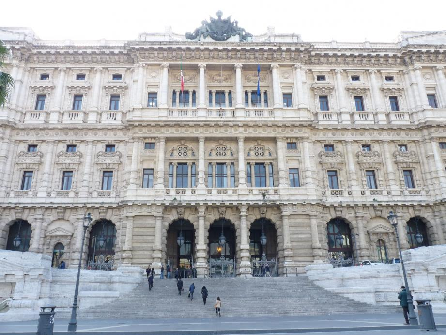 « Le pourvoi a été accepté et les faits ont été disqualifiés », mercredi à la cour de cassation à Rome.