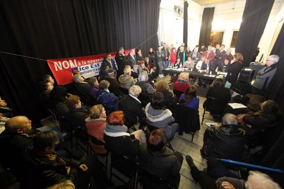Les candidats du canton de Nice 8 face à la population, hier soir, au Hublot.