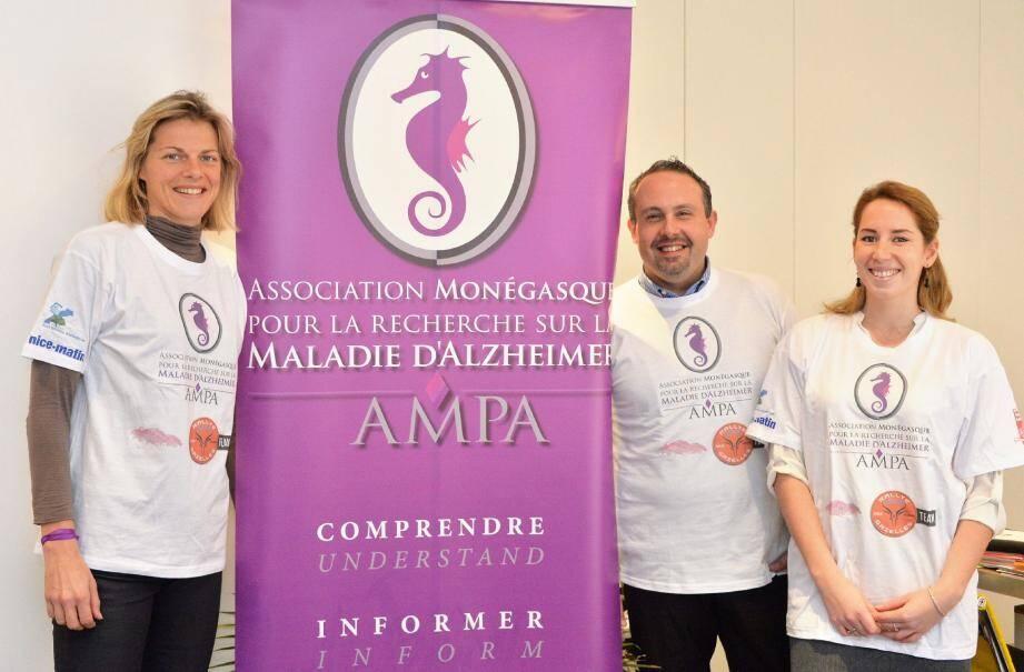 Kate Williams, chargée des événements et des relations publiques de l'AMPA, Federico Palermiti, directeur de l'association, et Salomé Nicaise, chargée d'études, mèneront une opération de sensibilisation à la maladie d'Alzheimer pendant toute la durée du rallye.