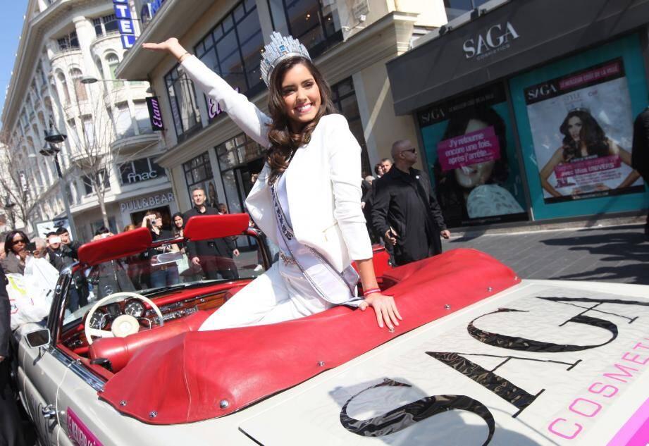 Paulina Vega, Miss Univers, à Nice