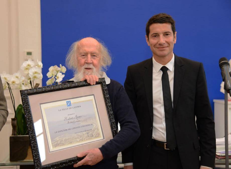 À 82 ans, l'astrophysicien et écrivain Hubert Reeves est devenu hier Citoyen d'honneur de la ville de Cannes.