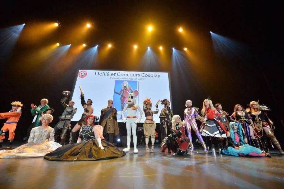 De nombreux fans étaient venus déguisés. Le cosplay, l'art de se vêtir comme des héros de mangas ou de jeux vidéo, a fait l'objet d'un défilé. Les participants ont présenté en musique leurs costumes époustouflants.