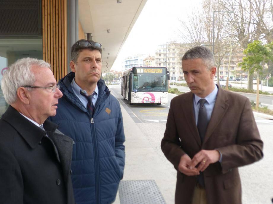 Jean Leonetti et Pierre Molager, directeur de la Casa, ont fait l'état des lieux.