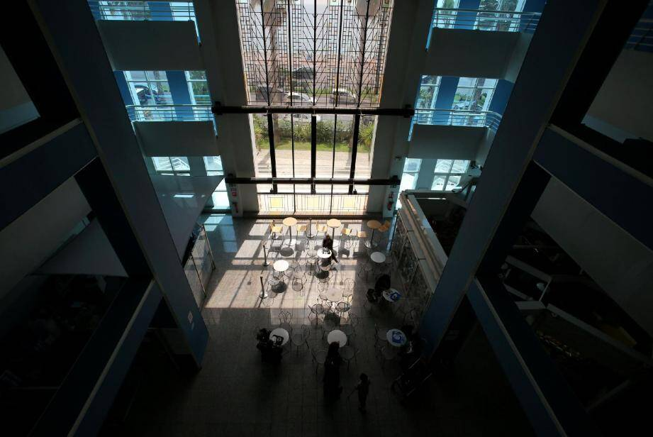 L'actuel site de Lenval sera complété, vers 2019, d'un nouveau pole dans un bâtiment spécifique. Les équipes de Lenval et du CHU y travailleront conjointement.