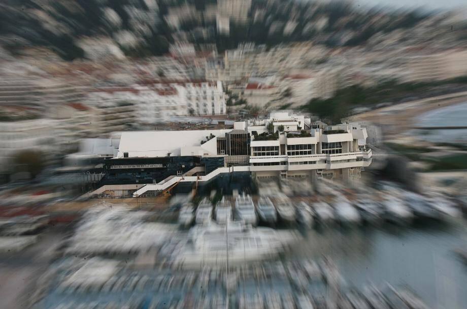 Ouvert six jours sur sept, le musée éphémère du cinéma prendra place à l'espace Riviera du Palais des Festivals et des Congrès.