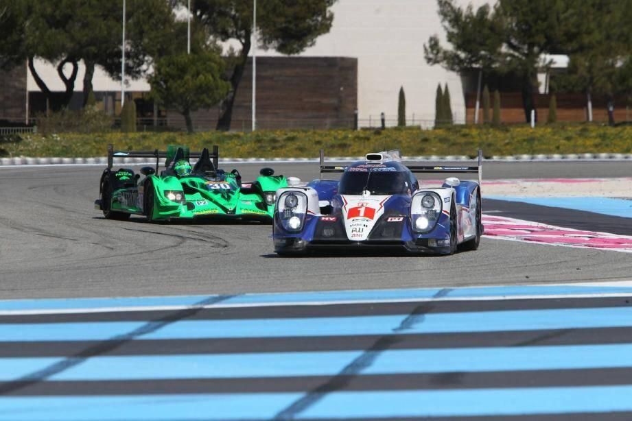 La Toyota TS040 Hybrid millésime 2015 des champions du monde Buemi et Davidson qui étrenne son numéro 1, c'est à voir aujourd'hui. Au Castellet et nulle part ailleurs...