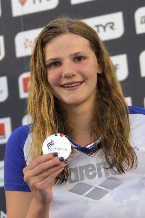 La nageuse niçoise Marie Wattel ici en avril 2014. Elle célèbrait sa médaille d'argent à Chartres, lors des championnats de France.