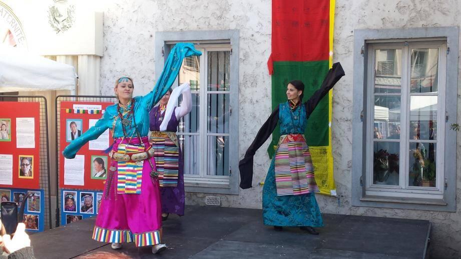 La première journée de sensibilisation à la cause tibétaine a déjà réuni beaucoup de monde dimanche matin à Villeneuve-Loubet.