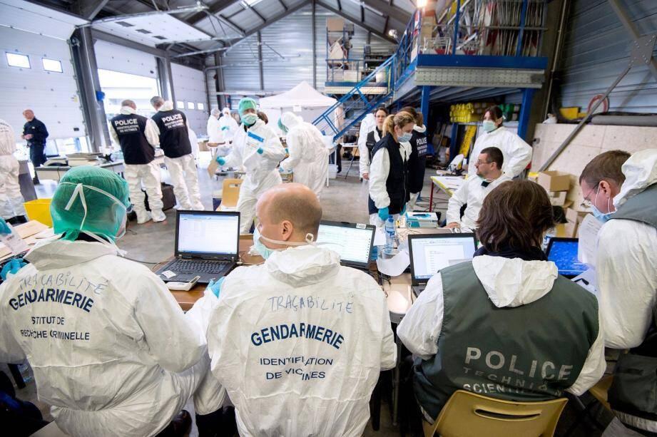 Le travail d'identification des corps du crash A320 a commencé