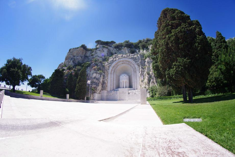 La cérémonie officielle s'est déroulée devant le Monument aux Morts de Nice