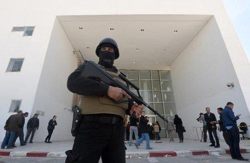 tunisie bardo attentat police forces ordre gardes 150321