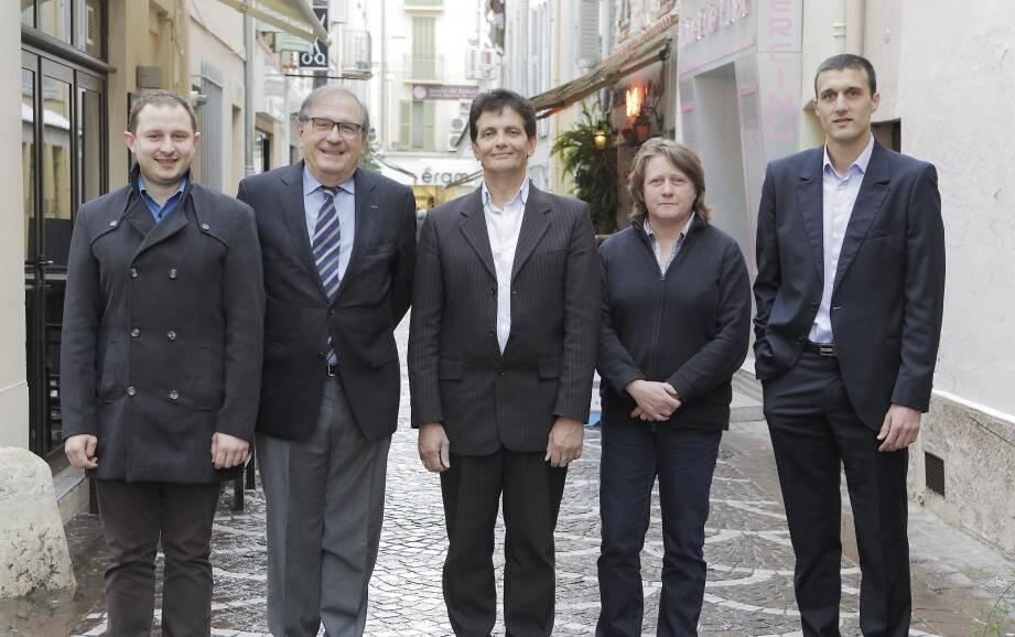 Lionel Tivoli (FN), Georges Roux (UMP), Patrick Lavitola (Dvd), Cécile Dumas (FdG), Jean-Noël Falcou (SE).