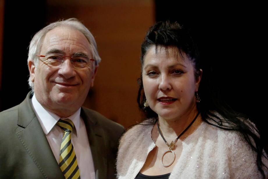Gérard Delhomez et Brigitte Perez-Vidal (UMP et DVD).