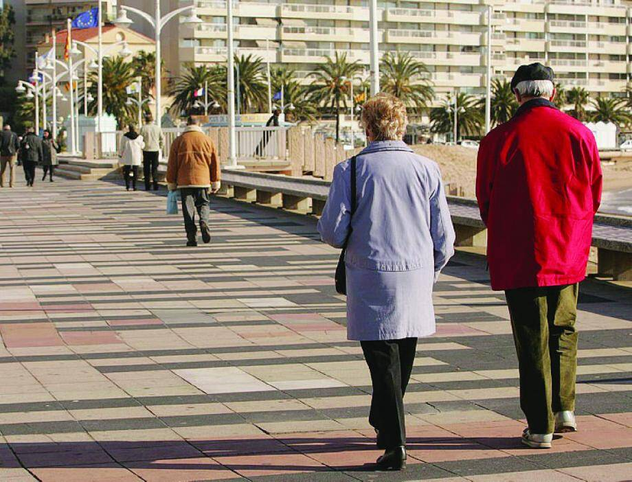 Les retraités sont moins nombreux que les actifs à s'installer en Paca (ici à Saint-Raphaël) .