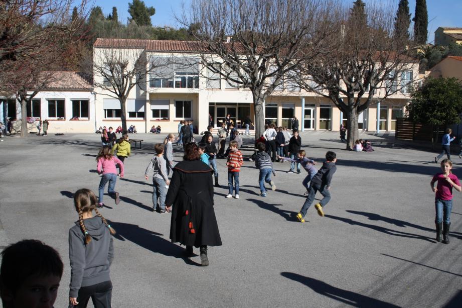 Manifestation école du Rouret
