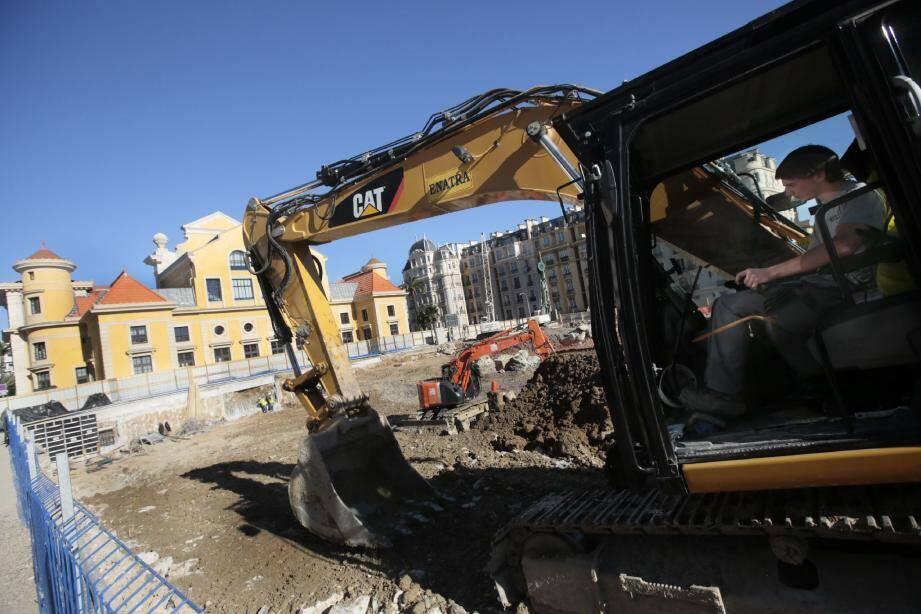 Il faut creuser plus de 20 mètres pour réaliser les quatre niveaux du parking souterrain de 720 places.
