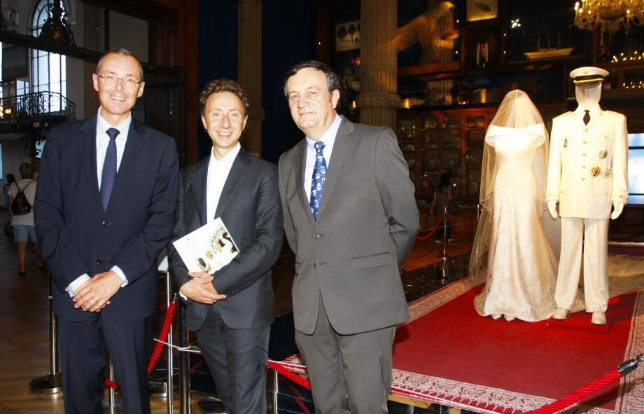 En 2011, Stéphane Bern avait déjà assuré le commissariat d'une exposition présentée au Musée océanographique, avec les souvenirs du mariage du prince Albert II et de la princesse Charlène, et notamment leurs tenues.
