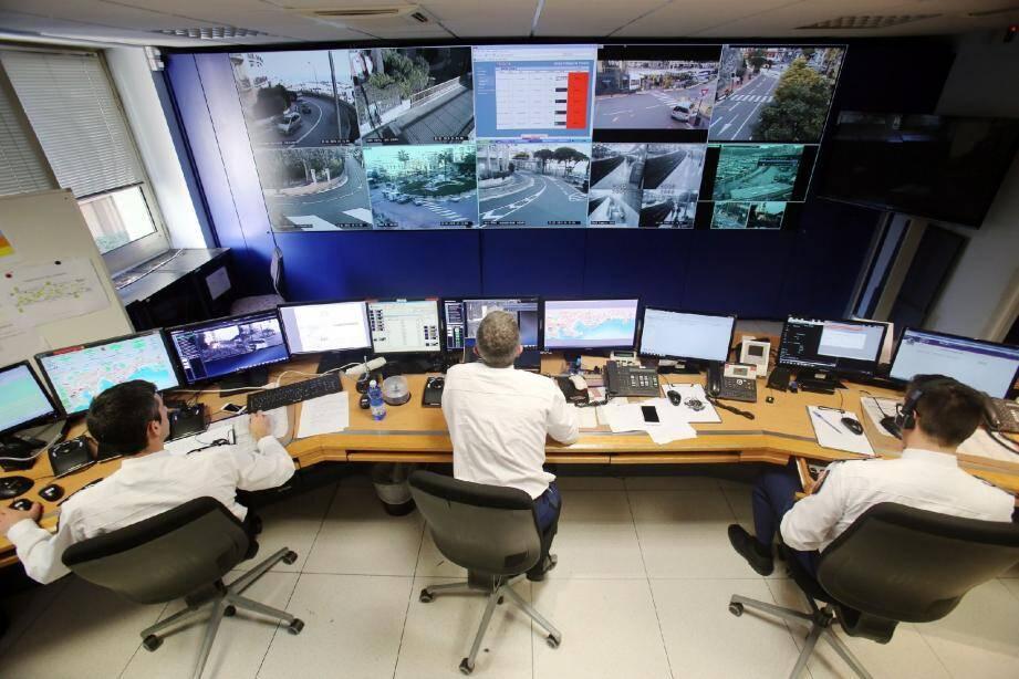 Les policiers peuvent assister en direct à des accidents de la circulation et envoyer immédiatement les secours sur place.
