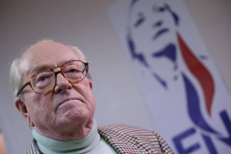 Le Figaro révèle lundi matin l'intention de Jean-Marie Le Pen de mener la liste FN aux élections régionales de 2015.