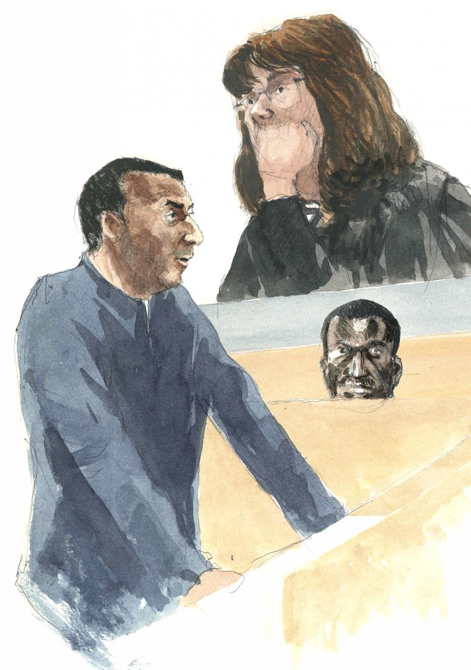 Après le réquisitoire de Mme Blank, Dassyr Gomis a dit qu'il voulait tourner la page. Parmi les témoins, un cadre commercial victime du braquage s'était dit consterné par l'attitude de son employeur dans cette affaire.(Croquis d'audience Rémi Kerfridin)