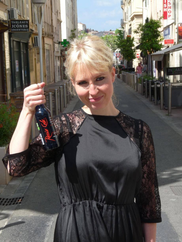« Nous avons dû boire des litres et des litres de Russia Cola avant de trouver la bonne formule » , s'amuse Masha Polshinskaya, directrice marketing de la marque.