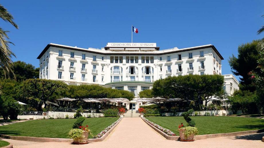 Le « Grand hôtel » du Cap-Ferrat est situé dans un parc de sept hectares avec une vue imprenable sur la Méditerranée.