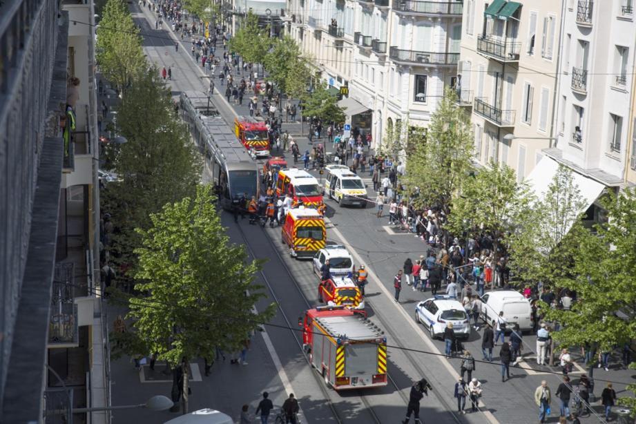 accident tramway pieton jean medecin nice 150417