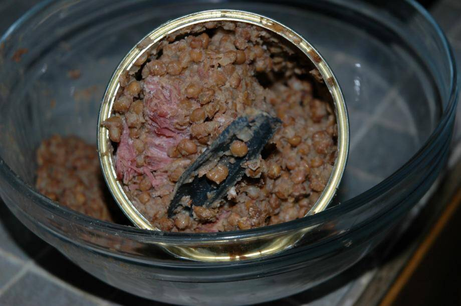 Richard Maurin a trouvé un morceau de plastique dans une conserve de cassoulet