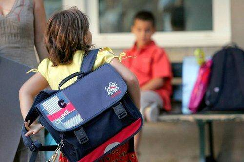 rentree scolaires classes eleves cartable illustration 150402