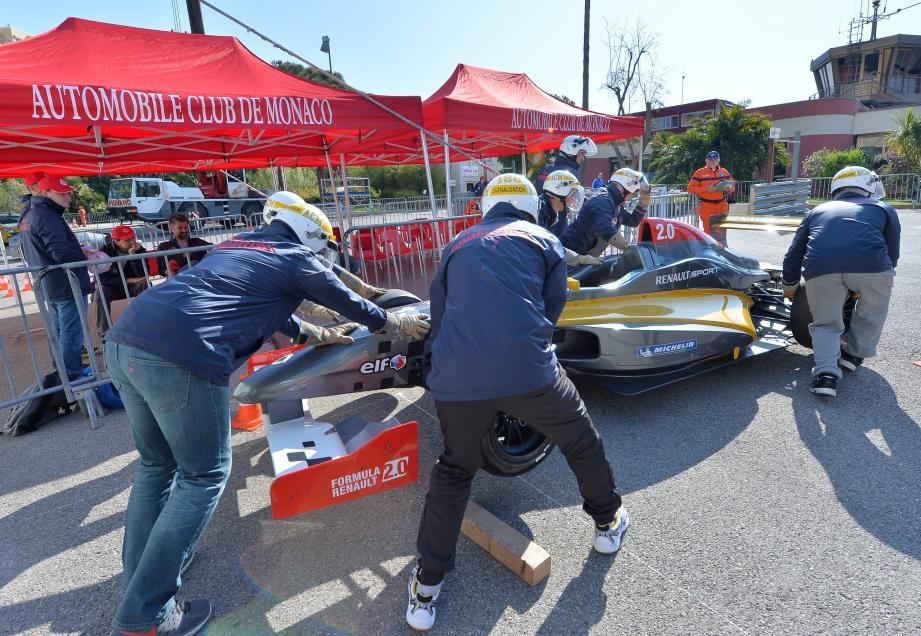 F1 : les commissaires de piste en stage pour le Grand Prix de Monaco